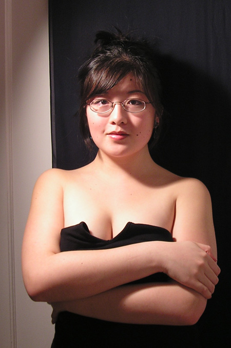 P1260207.Lisa dramatic cleavage