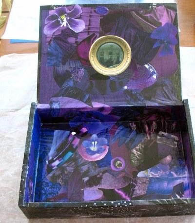 goth box inside