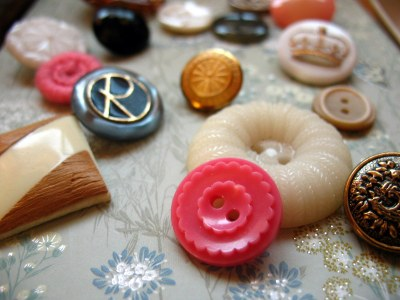 Estate-sale buttons