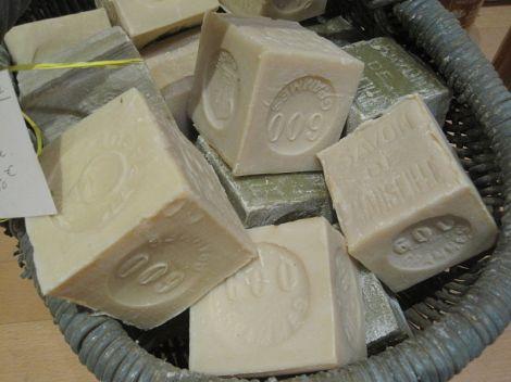 savon de marseille (Marseille soap)