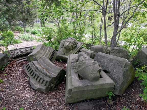 Broken statuary