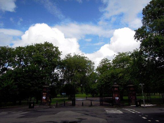 One entrance to Kelvingrove Park