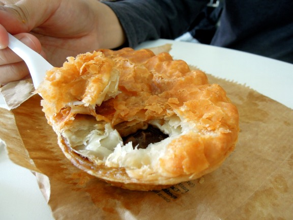 Individual steak and ale pie