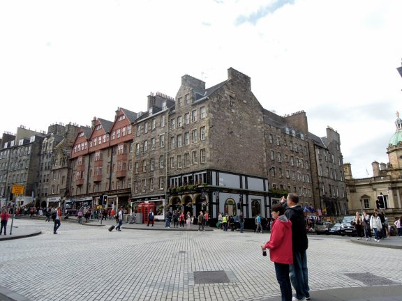 Royal Mile where High St becomes Lawnmarket.