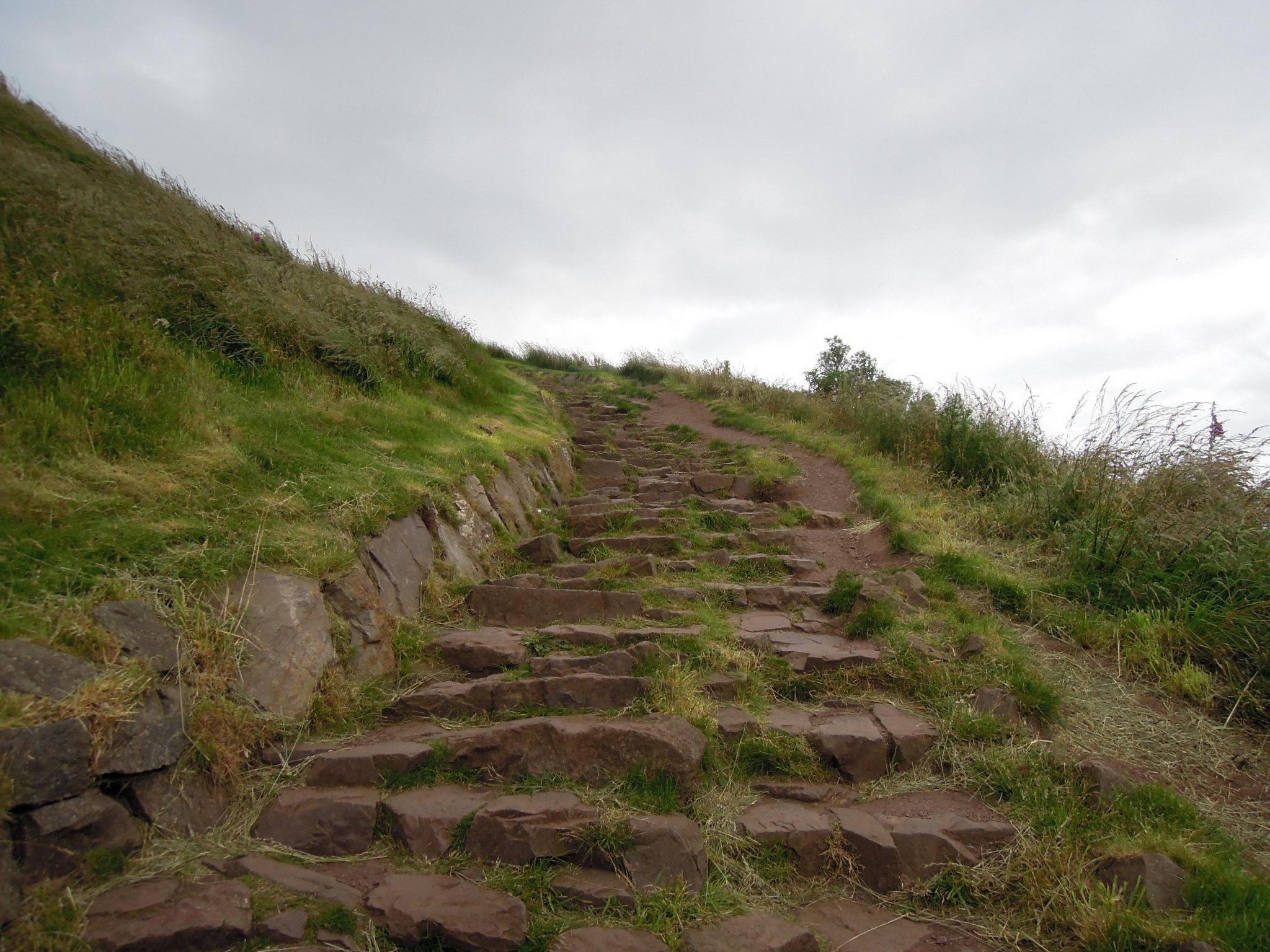 Edinburgh: Up!!! (Holyrood Park and Arthur's Seat ...
