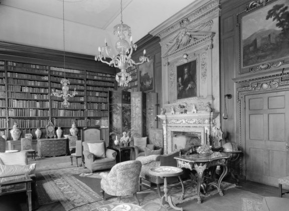 Black and white photo of elegant library
