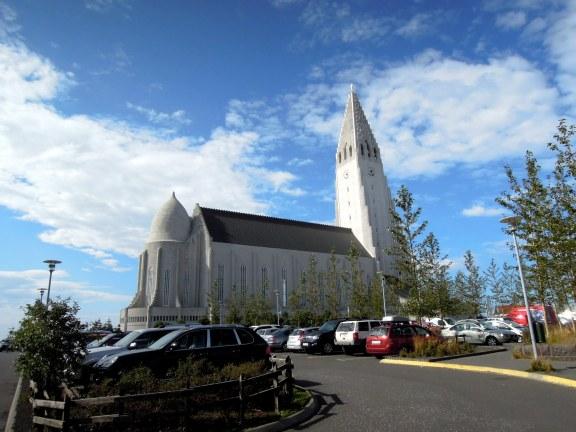 The famous church, Hallgrímskirkja