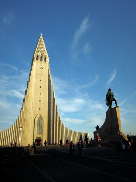 The famous church, Hallgrímskirkja, with its statue of Leif Eíriksson