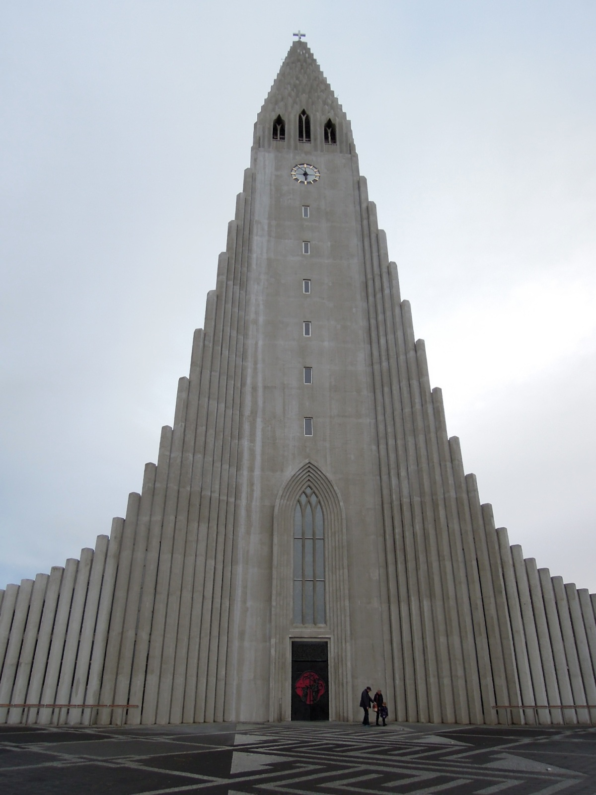 Hallgrímskirkja and red door