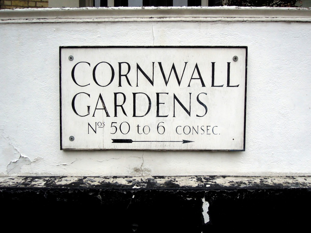 Sign for Cornwall Gardens