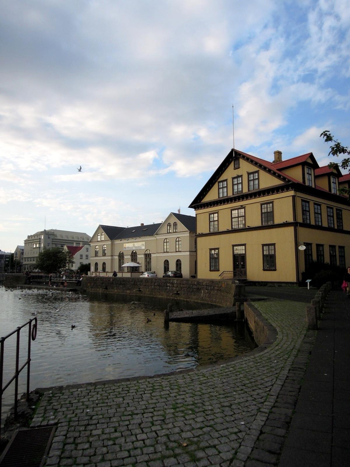 Building along the north edge of Tjörnin