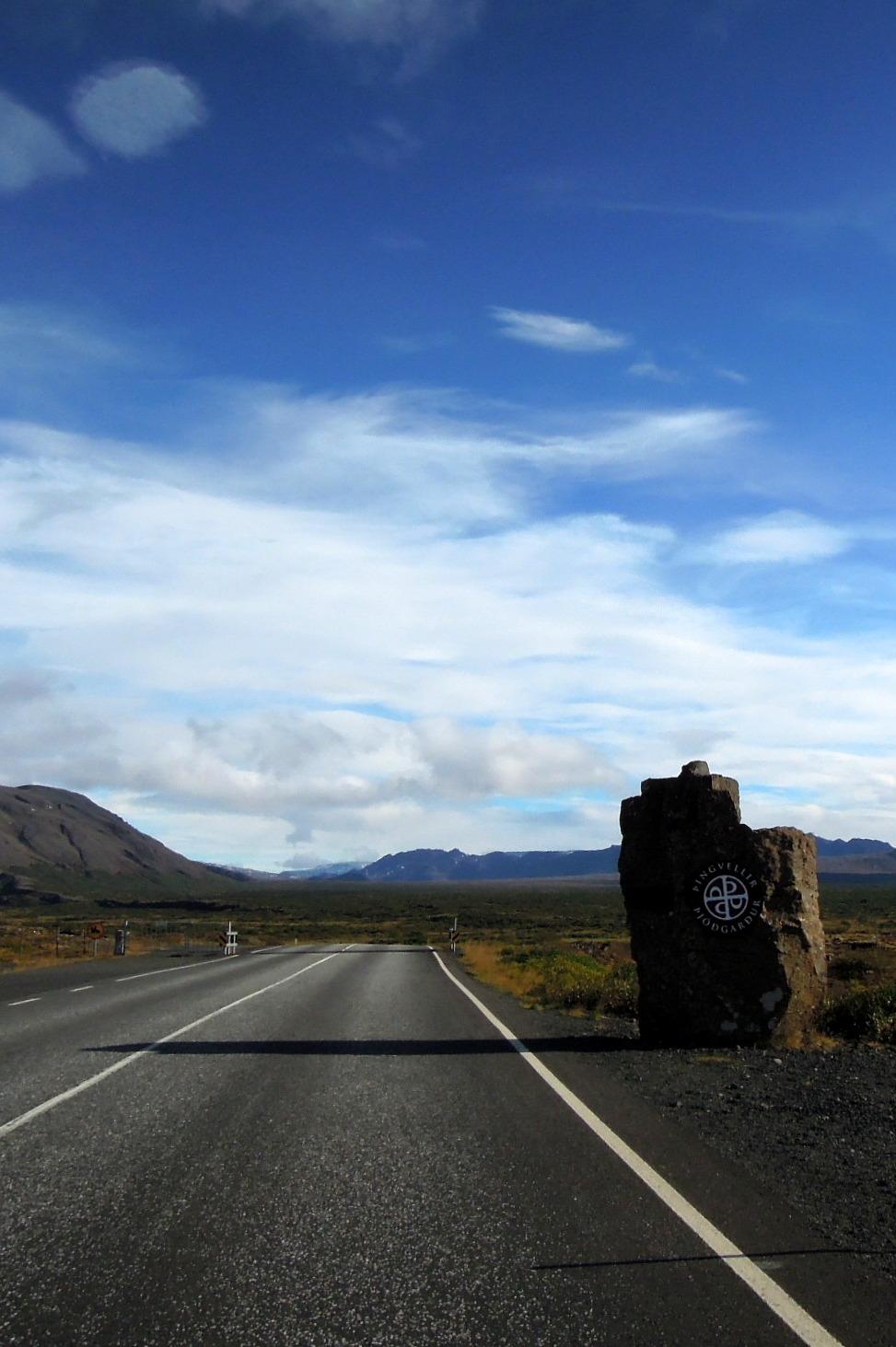 The entrance to Þingvellir