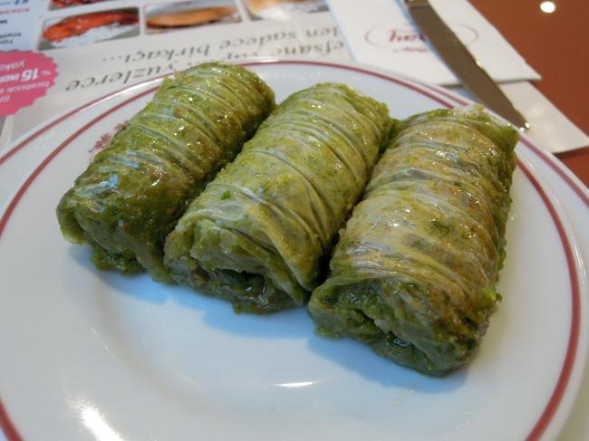 Pistachio phyllo rolls