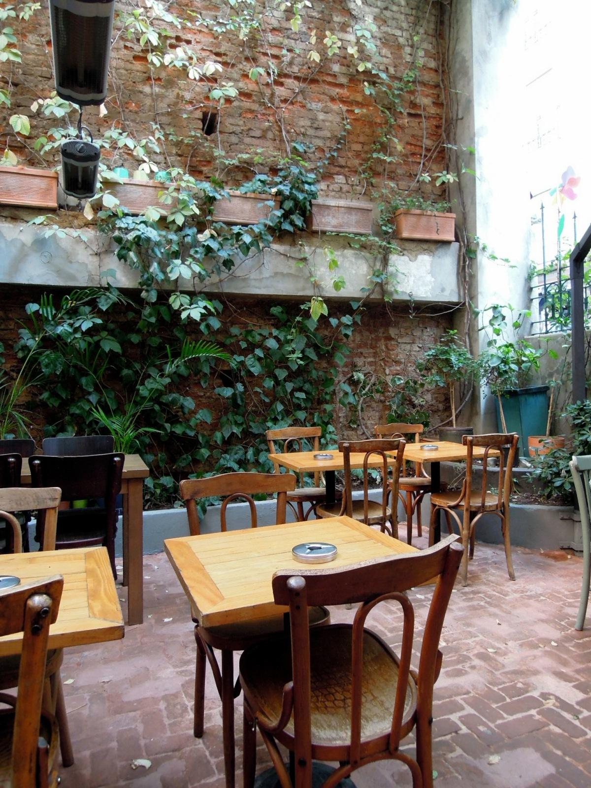 Zencefil café patio