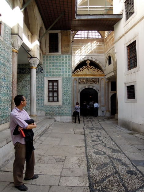 Passage in the harem