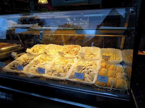 Fresh pastas in a glass case