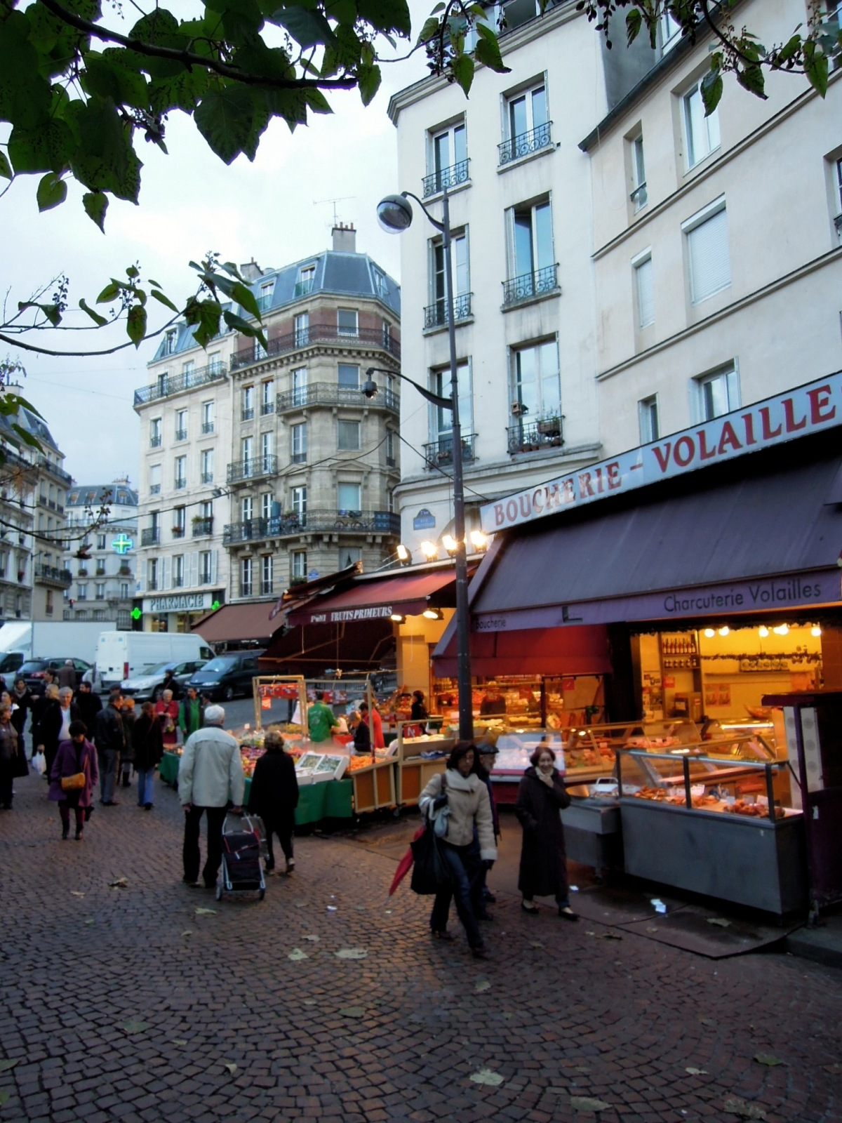 At the foot of Rue Mouffetard