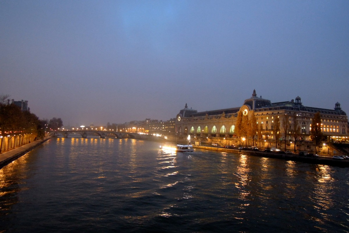 Seine and the Musée d'Orsay by evening