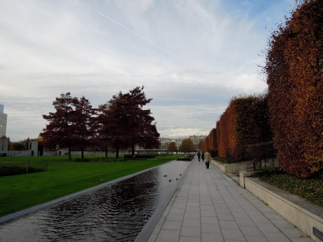 Canal and squared-off hedges
