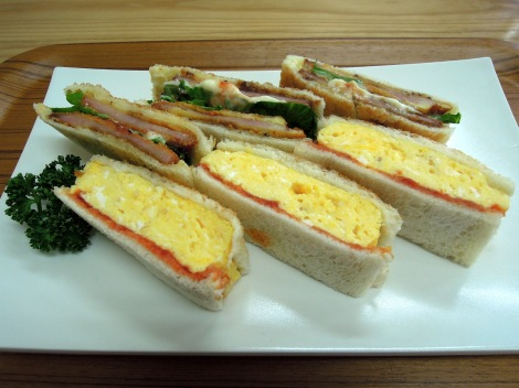 Mixed sandwich plate with tamago and katsu ham sandwiches