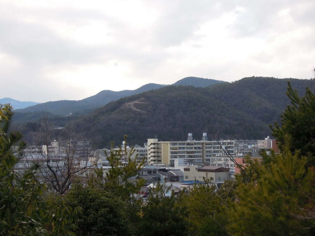 Closer view of the mountain