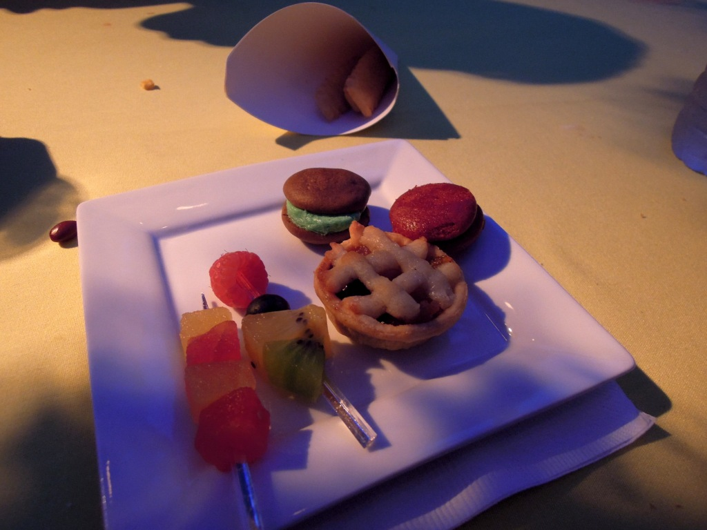 Mini desserts on a square plate