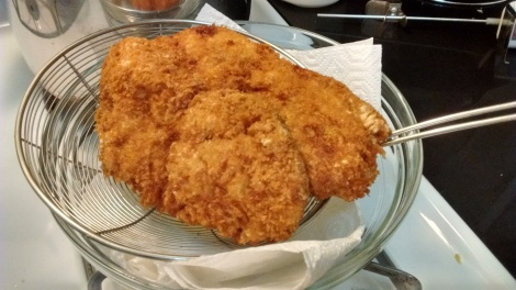 Fried tonkatsu draining