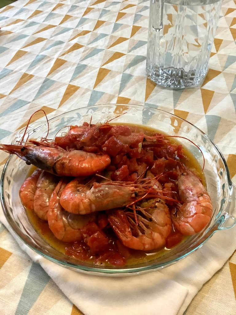 Spot prawns in tomato sauce